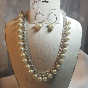 NWT Cherish Pearl Necklace and Earrings Set